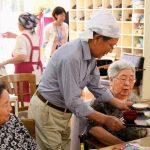 60歳からのパワーに期待 デイサービススタッフ養成
