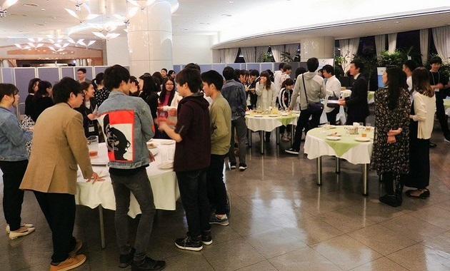「観光」学ぶ交流会 明海大 首都圏13大から70人