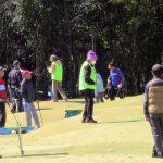 「パークゴルフ体験」 33人が参加して開かれた