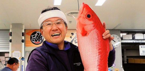 うらやすの人(54) 豊洲市場の仲卸会社「山治」社長 山﨑康弘さん(50)