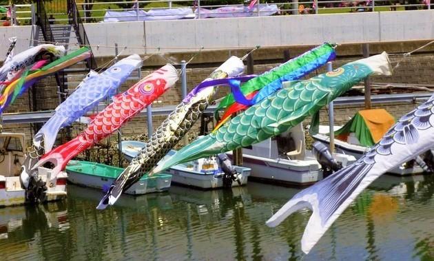 浦安点描: 〜薫風に泳ぐ鯉のぼり〜