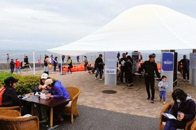 海辺のカフェ THE BEACH
