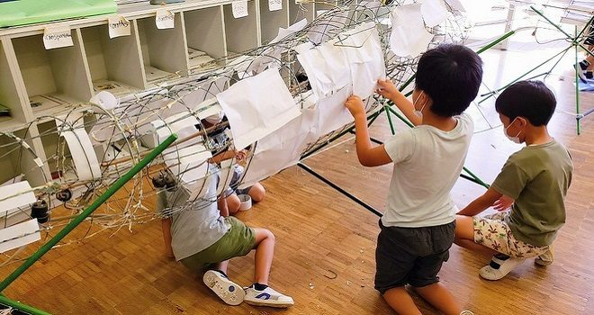 ウラヤスフェス2019 アオギスパレード張り子修復作業に46人の子ども達が参加