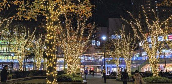 新浦安駅・浦安駅前で イルミネーション点灯式