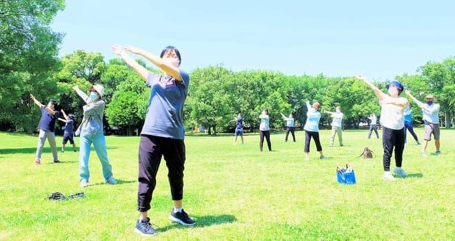 おはよう体操で心身をリフレッシュ 週4回、市運動公園で開催